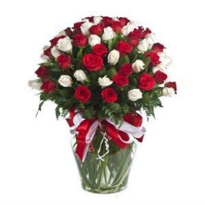 rosas en jarron 300x300