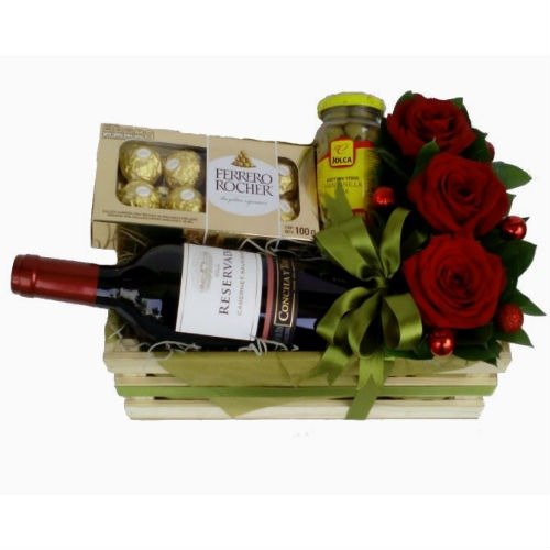 Caja con rosas, vino y chocolates