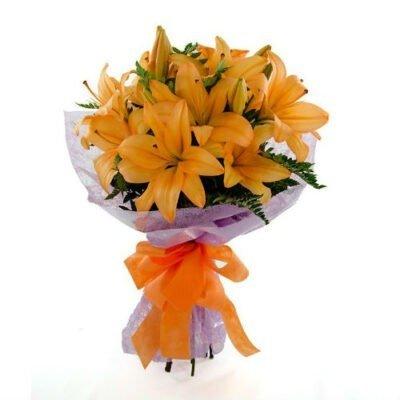 ramo de lilies naranjas