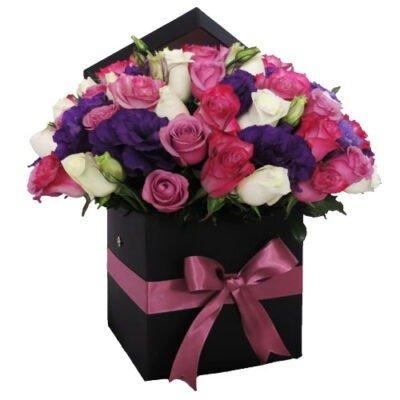 Caja con rosas fiusha