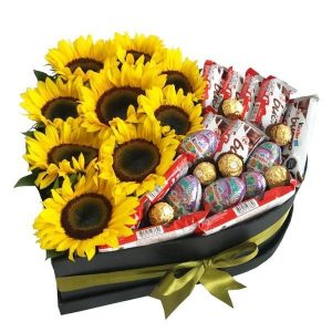 girasoles y chocolates kinder en base de corazón